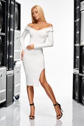 Seksowna sukienka sweterkowa
