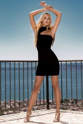 Streamlined dress