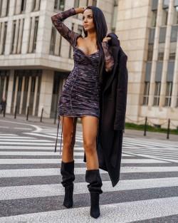 CONFIDENT DRESS -...