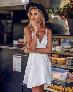 WHITE SUGAR DRESS - MAŁA...